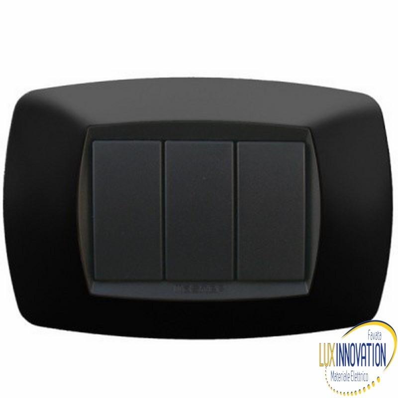 Placca Master 39TC203 Modo in tecnopolimero Nero 3 posti
