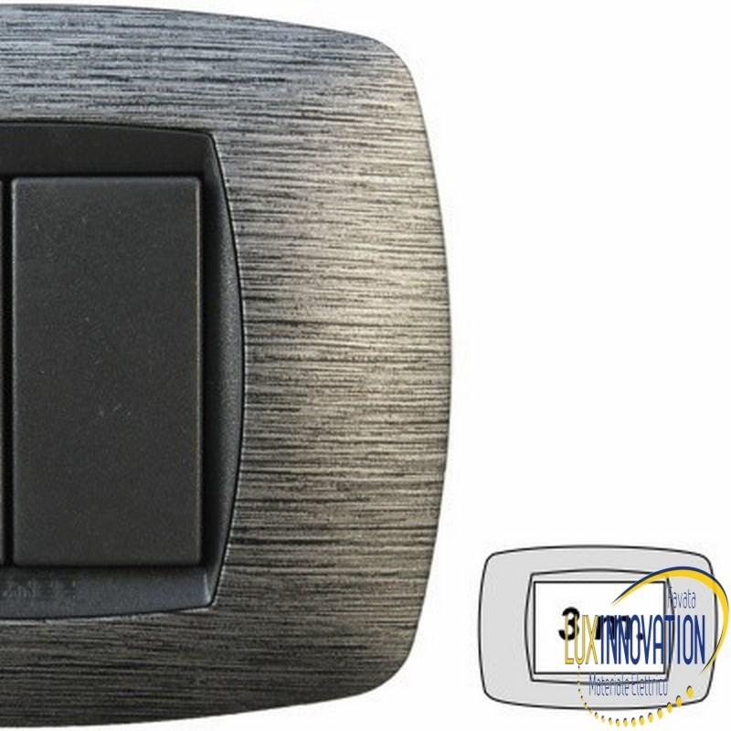 Placca Master Modo in tecnopolimero Satinato grigio 3 posti