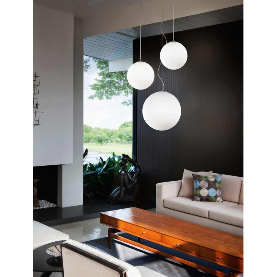 Lampadario coordinato con 3 lampade a sospensione in vetro bianco illuminazione - Illuminazione cucina moderna ...
